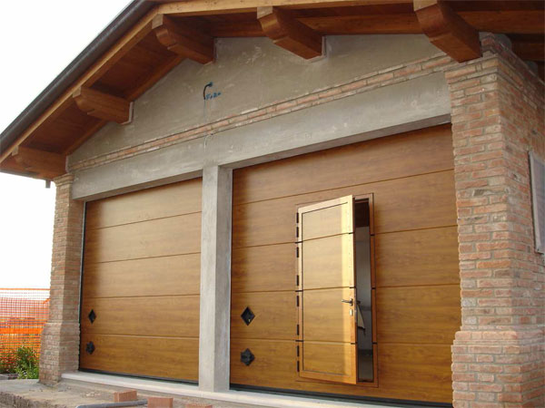 Portoni basculanti per garage omega professional - Portoni in legno prezzi ...